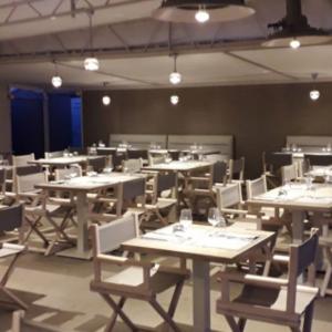 bagni-annasilva-arredamento-sala-ristorante-stabilimento-balneare
