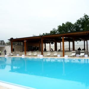 arena-sunshine-progettazione-poolside