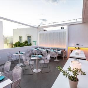 bollicine-terrazzo-e-tavoli
