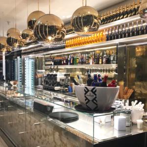 caffe-e-bollicine-interior-design-chiosco-bancone