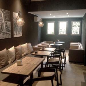 divino-cafe-interior-decor
