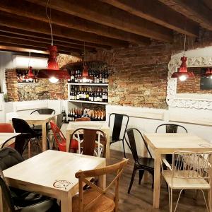 il-canneto-arredamento-wine-bar-interiors