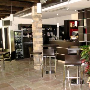la-baracchina-arredamento-sala-ristorante