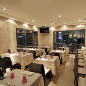 la-reggia-arredo-sala-ristorante