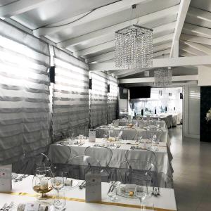 music-luxury-party-caserta-arredo-sala-ristorante.png