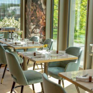 saporis-arredamento-sala-ristorante-vetrate