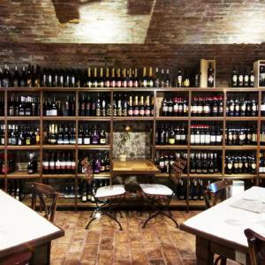 tramvia-arredo-wine-bar