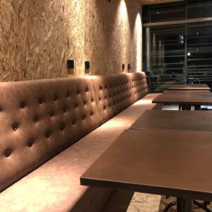 109-officine-sedute-parete-legno