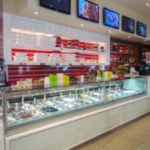 gelizia-el-mirador-interior-design-gelateria-bancone-bianco