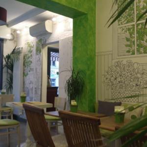 mordi-e-fuggi-interior-design-wallpaper-verde